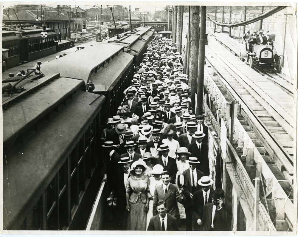 Credit Lonto-Watson Collection, New York Transit Museum.jpg