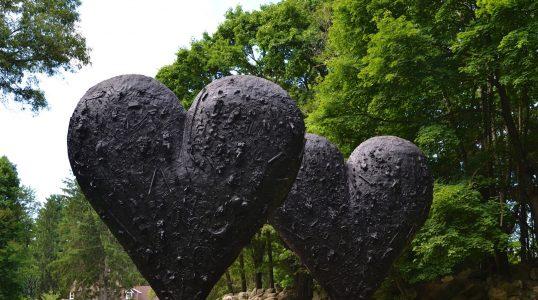 Jim Dine, Two Big Black Hearts (1985) Lent by Hamilton Arts Inc.