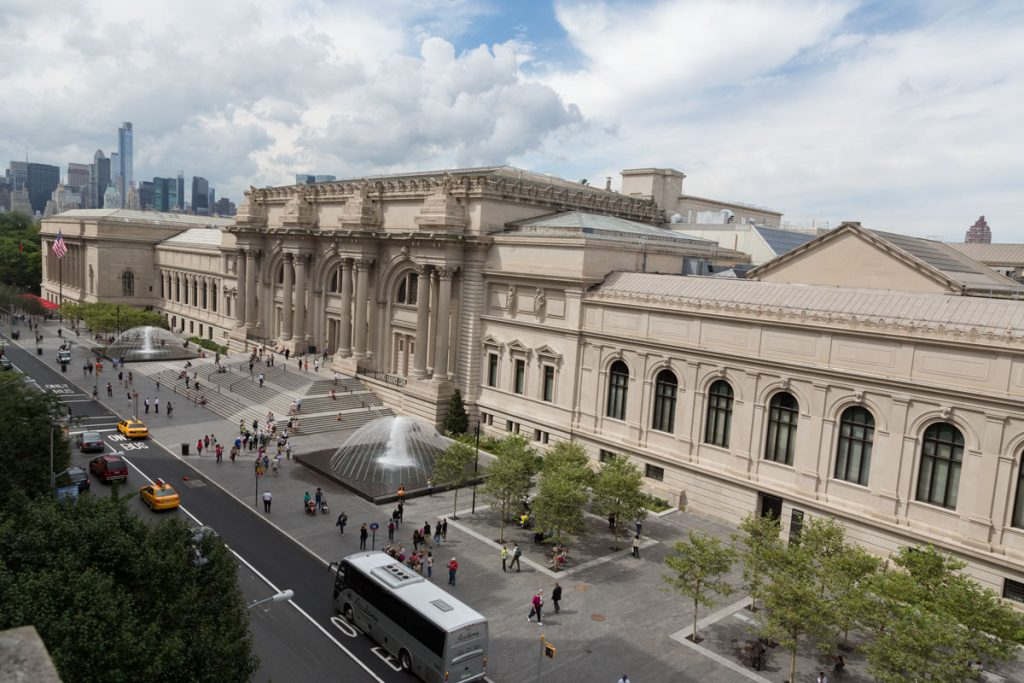 Met Museum Plaza_General View_Day
