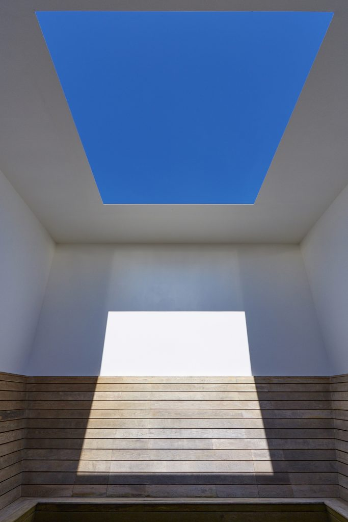 James Turrell Seldom Seen, 2002 Skyspace © James Turrell. Photo: Peter Huggins
